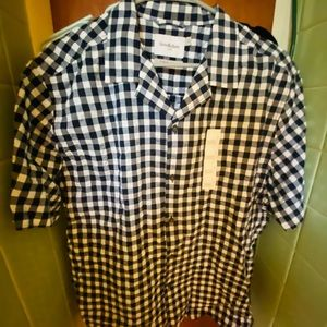NWOT CASUAL MENS BUTTON DOWN